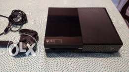 Xbox One 500GB Black + 3 games + one controller