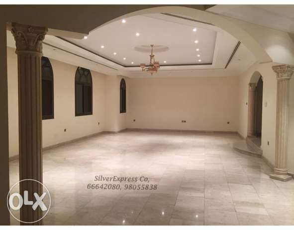 5 Bedroom - Specious Villa & S.pool with Garden in Mangaf