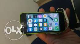 i phone 5 c 32 gb very clean