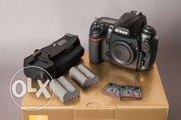 Nikon D700 with accessories (Used)