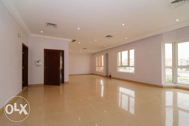 Beautiful,big 4 bdr floor in Zahra