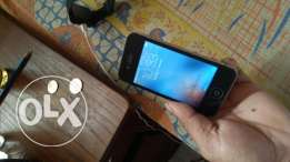 iPhone 4s 32 gb/Black fresh no scratches back like a new