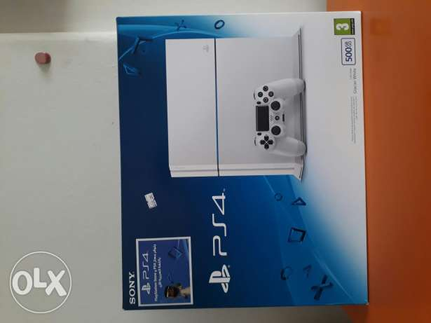 Playstation 4 ( Glacier White)