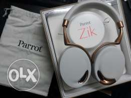 Parrotzik headphones ( 1 day use only ) wireless