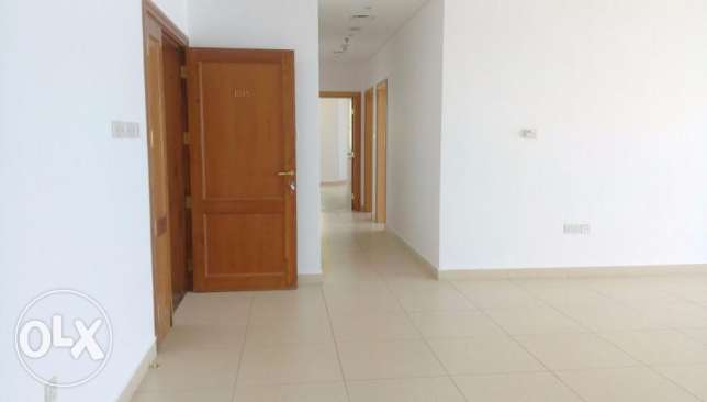 Large 3 bedroom full floor apartment for rent in Shaab Al Bahri