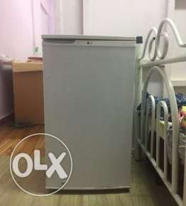 Good condition LG Refrigerator for sale (130 Ltr)