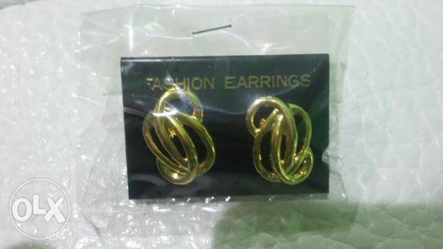Earrings made in Hong Kong for 1 KD