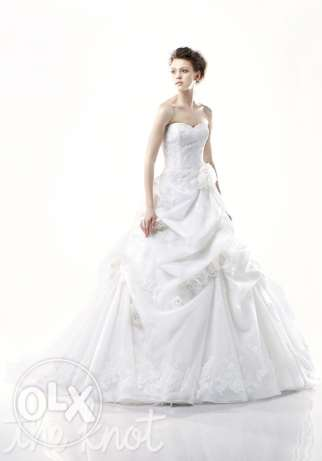 Wedding dress 300 kd