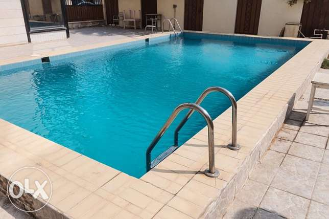 For expats,big 3 bdr apartment with balcony in Salwa