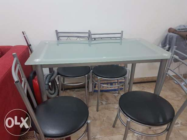 Clothes Dryer & Dinning Table (4 Chairs)