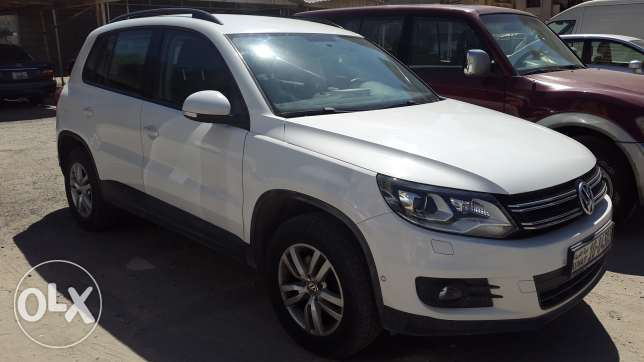 21,500 KM only Lady Driven, Volkswagen Tiguan 2012 model, like new