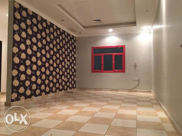 3 bdr in villa apt in mangaf close to sea side
