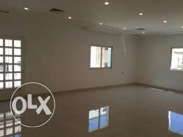 For rent 3 bedrooms flat in Salwa