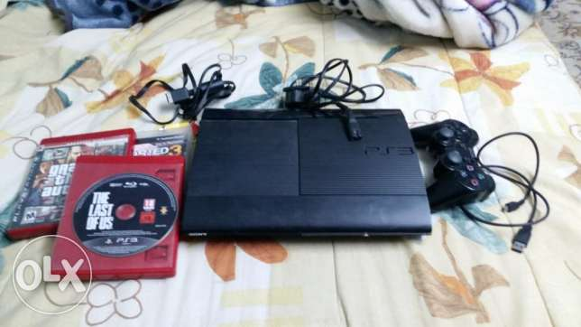 PS3 Superslim + controller + 3 Games