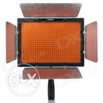Yongnuo YN-300 II LED + Amaran AL-528W LED Video LED Photo lights...
