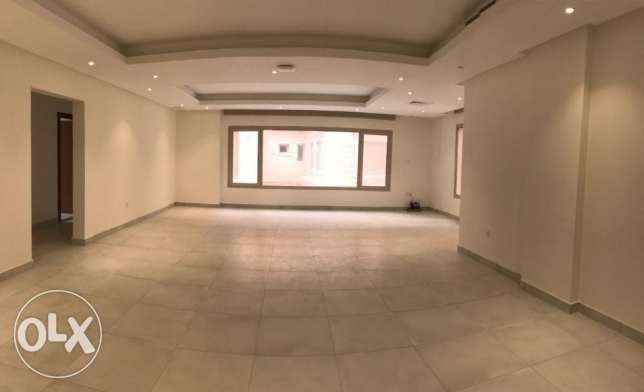 Salmiya - four bedroom floor for kd 1450