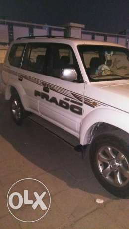 Toyota Prado 1998 6 cylinder white color neat and clean 950 kd