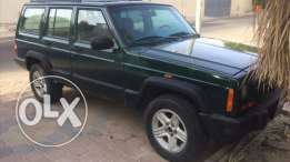 Cherokee Jeep model 2000 for sale