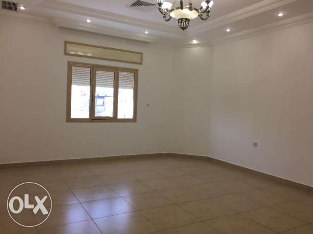 For rent full floor in Al-Masayel 700 KD