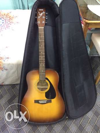 Acoustic Guitar with foam bag