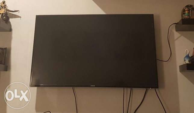 Samsung 48 inch 3D Smart TV (with 2 3D glasses)