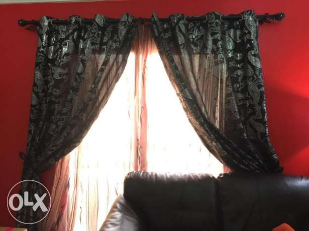 2 Tier Curtain set with fancy fixings