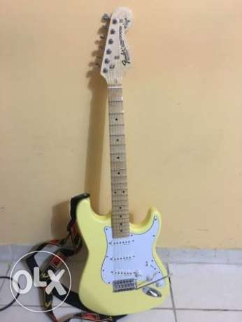 FENDER STRATOCASTER made in U.S.A. w/signature and mustang II V2