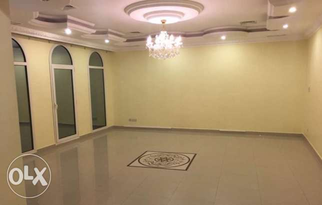 800 KD Luxury villa floor for rent only for expats