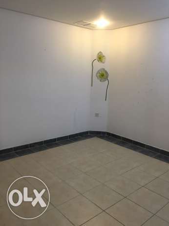 Salmiya 1bedroom 1 leaving room and kitchen best loaction