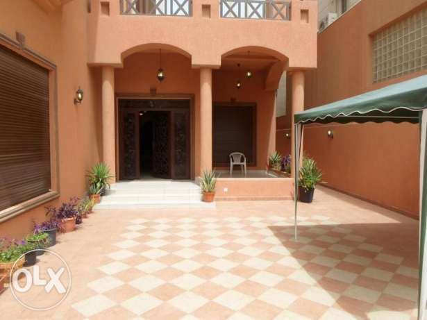 Beautiful private villa in mangaf. total 16 bedrooms, best fo company.