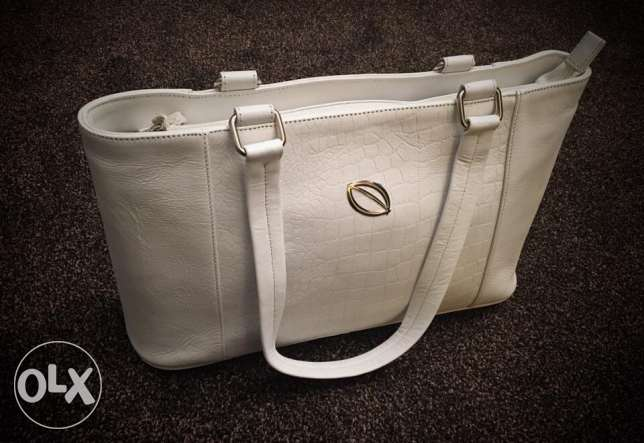 Selling new and unused Leather Bag. *HALF PRICE*