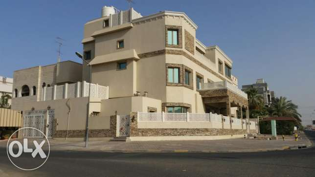 Qortuba corner villa 7bhk with swimming pool