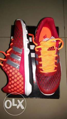 Adidas sport shoes for men.. مهبولة -  1