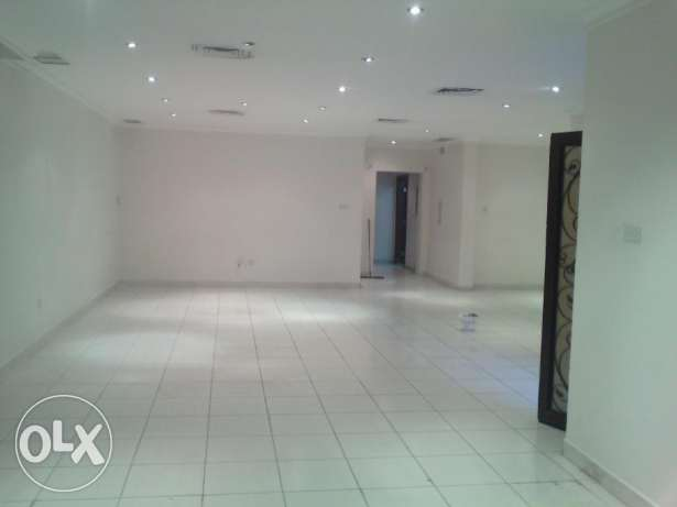 Modern 5 bedroom villa with garden in mangaf, best for company, family