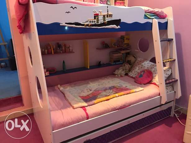 3 layers bunk bed with 3 drawers