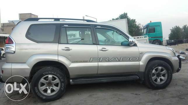 prado 2007 4calendar price 2500 car is new from inside a.c. ialso work جليب الشويخ -  5