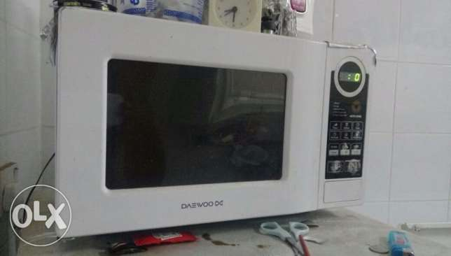 6 litre Microwave in good condition
