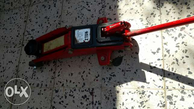 Orginal 2 ton jack for sale/للبيع رافعة