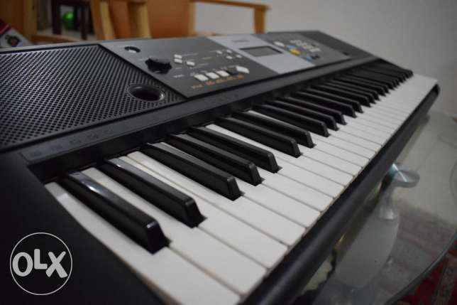 Yamaha Keyboard(Piano) PSR-E223 For Sale