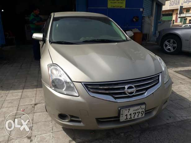 Nissan Altima for sale on cash or easy installment basic
