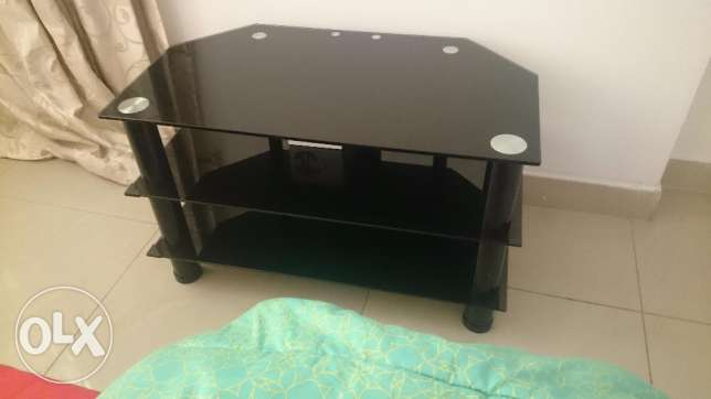 Flat Clearance ** Glass TV Table Trolley ** for Flat TVs upto 42 inche