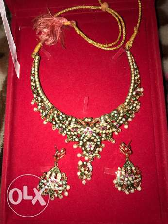 indian noratan necklace + earring